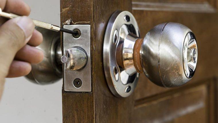 Bien équiper une porte d'entrée: tout connaître sur les serrures certifiées A2P